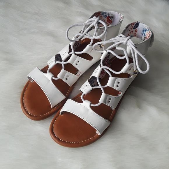 e917c481cb45 Tommy Hilfiger Girls Strappy Gladiator Sandals. M 5ad554213800c5af203b1d10